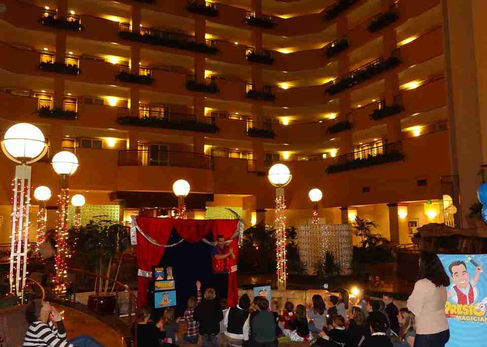 Presto performs at a company party - Portland Embassy Suites Hotel