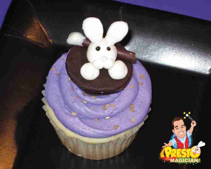 bunny in hat cupcake