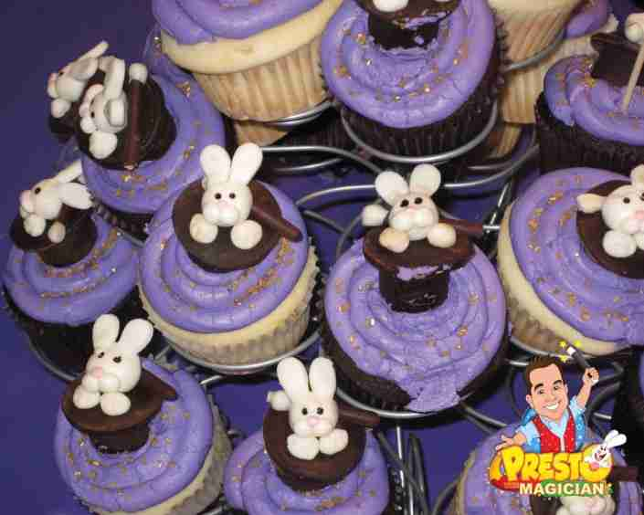 rabbit in top hat cupcakes