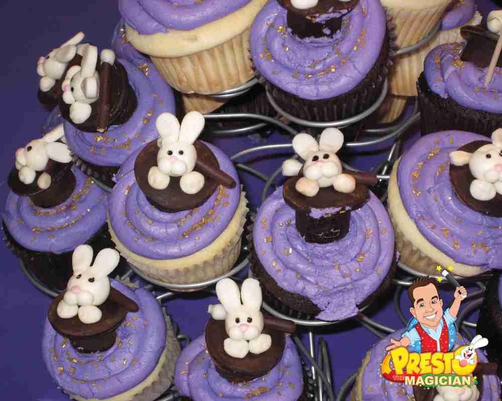 rabbit in top hat cupcakes